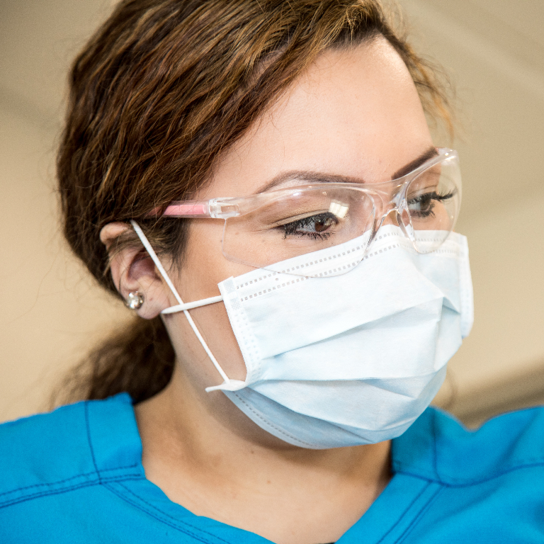 mobile.dental-assistant1.768x768.jpg