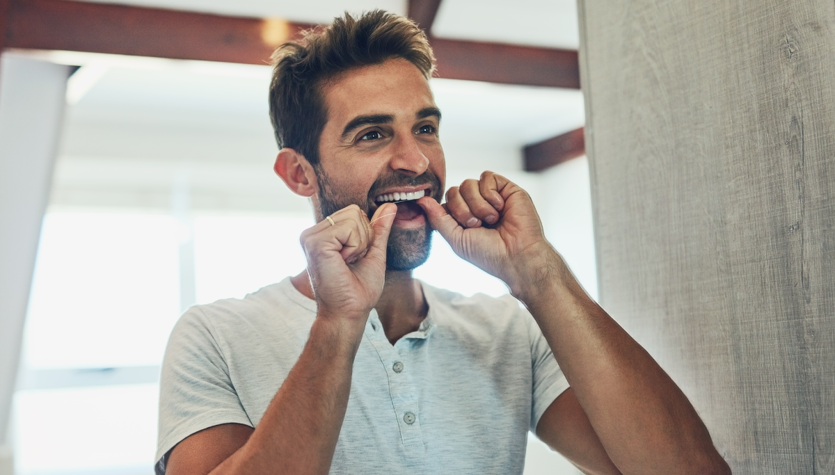 How-to-floss-your-teeth-properly_1200x683.png